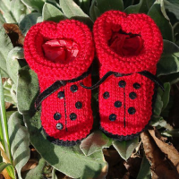 knitted ladybug baby booties