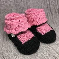 knitted mary jane baby booties