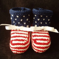 knitted american flag baby booties