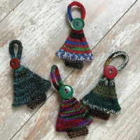tiny knitted christmas trees